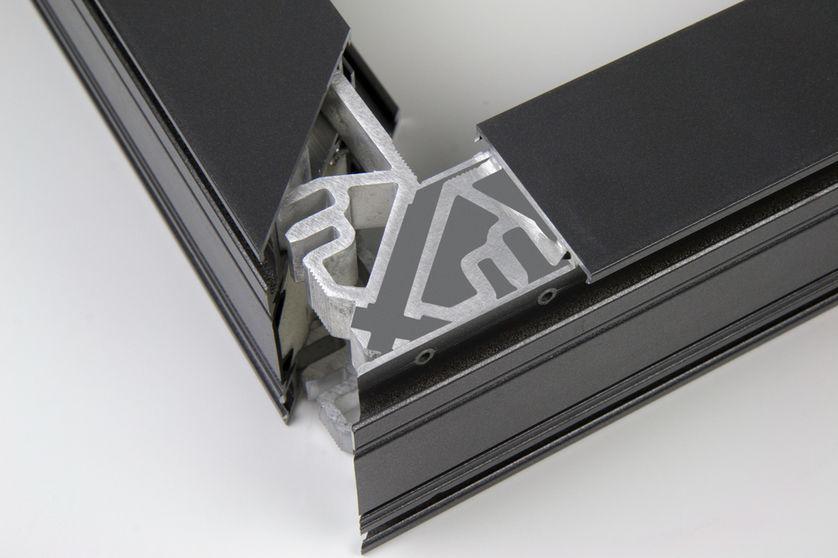 P 525 Eckwinkel Metallfenster 5